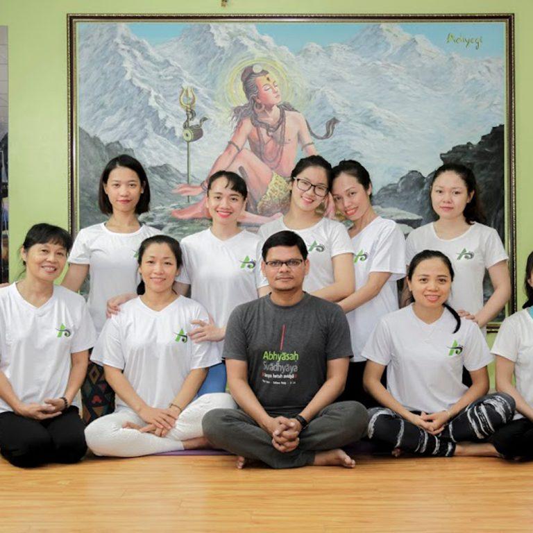 yoga teacher trainer